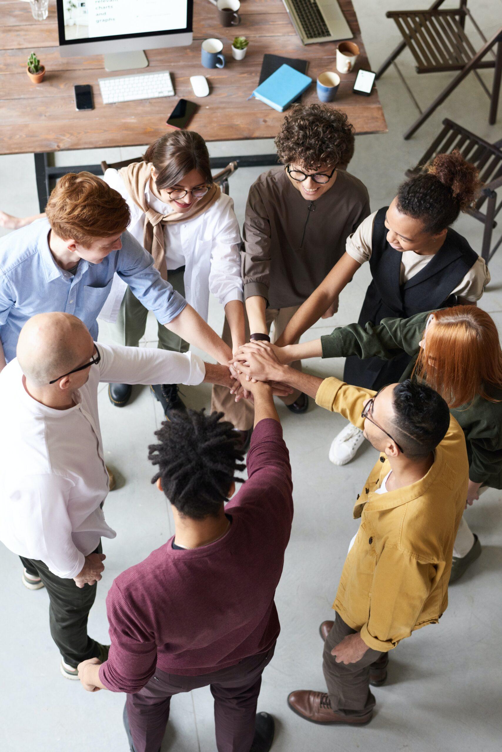 Cần 1 tổng thầu có khả năng kết nối các nhóm thợ phần hoàn thiện.